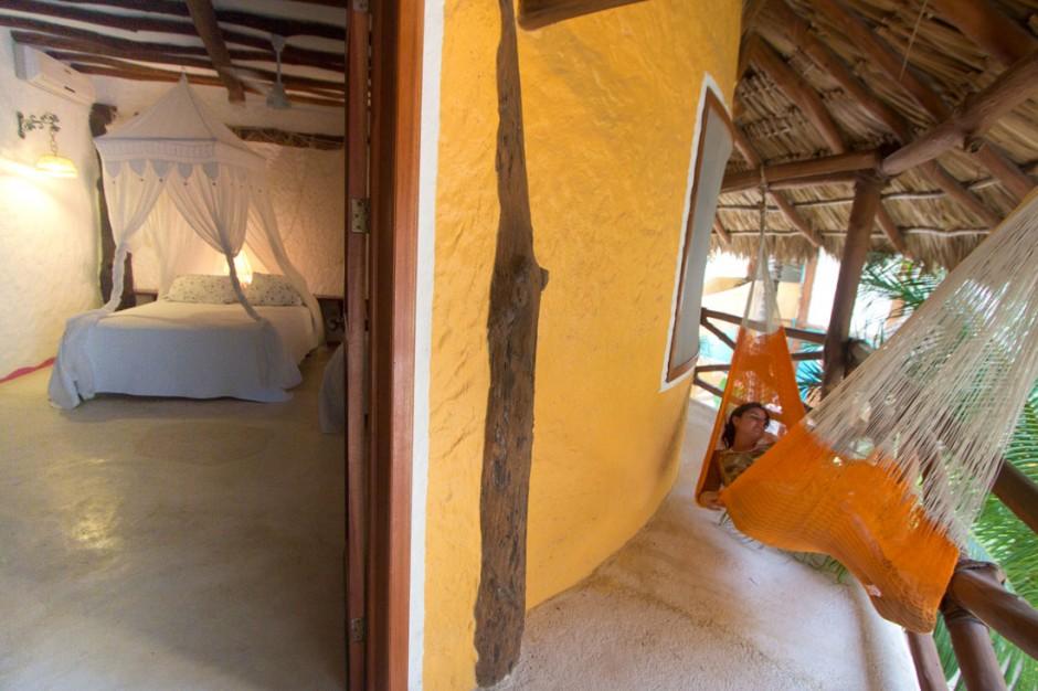 Fresa room with hammock on private balcony