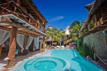 The pool at Casa las Tortugas