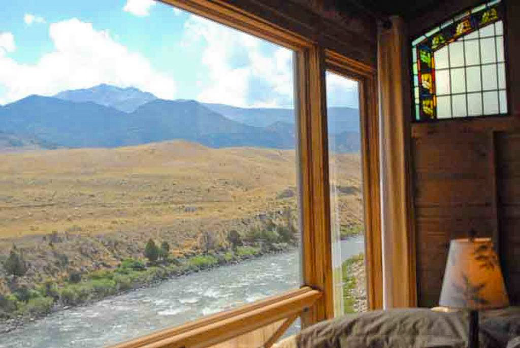 11 dreamy yellowstone cabins you can rent for your next for River view cabins