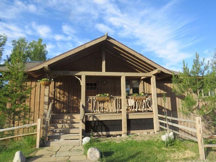 Cabin in Gardiner Montana
