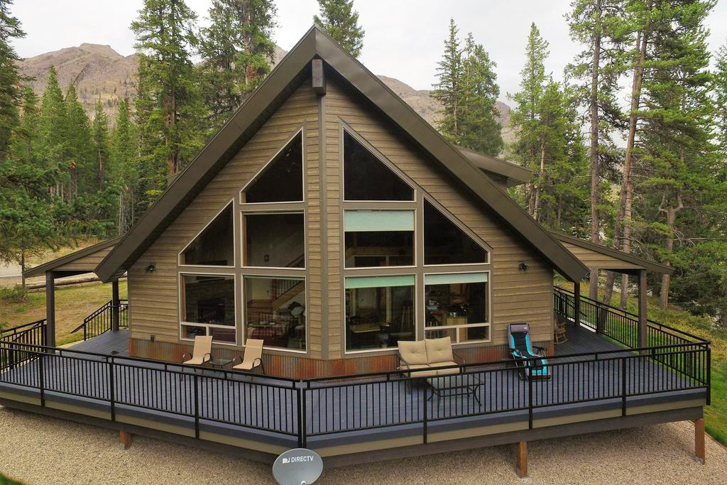 Hands down one of my favorite Yellowstone cabins!