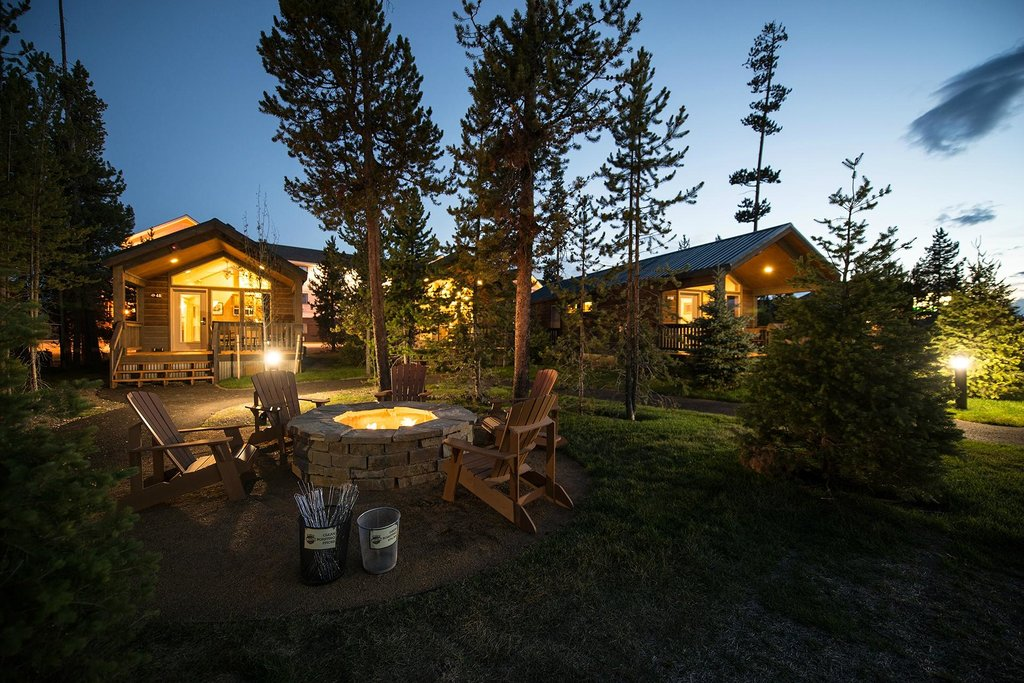 The Explorer cabins at West Yellowstone. These Yellowstone cabins are family friendly