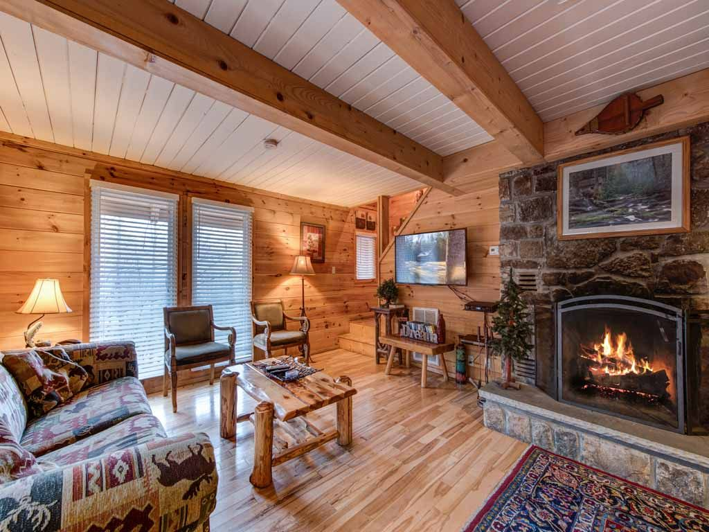 9 Dreamy Gatlinburg Cabins for Rent A list of our favorite cabins in Gatlinb