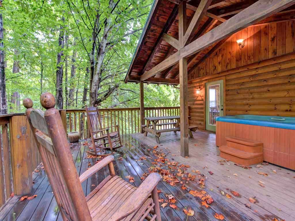 9 cozy gatlinburg cabins for rent for your mountain for 1 bedroom pet friendly cabins in gatlinburg tn