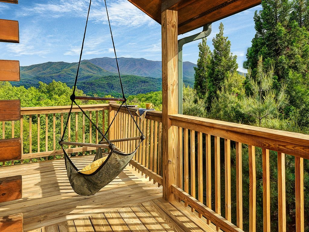 9 dreamy gatlinburg cabins for rent a list of our for Nuvola 9 cabin gatlinburg