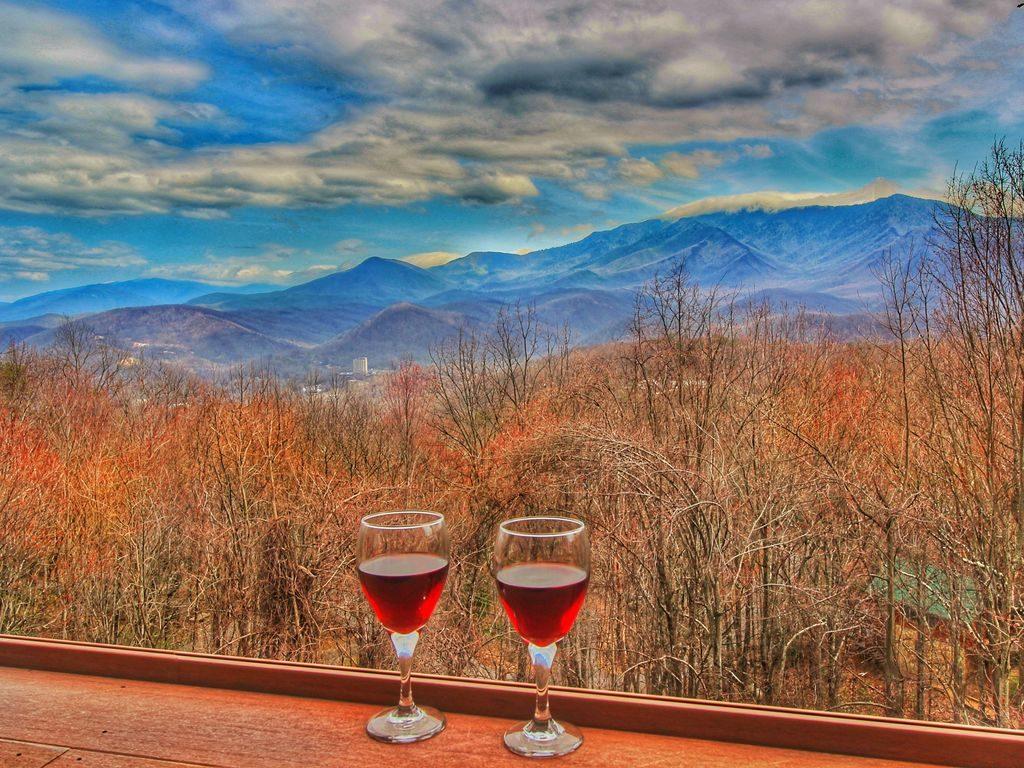 Gatlinburg cabins with Mt LeConte views