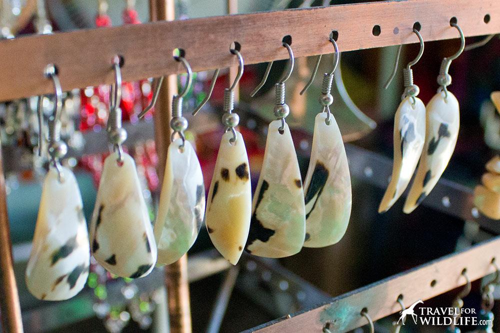 Concha nacar, seashell earrings in Nicaragua