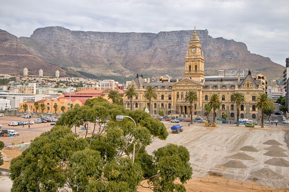 Is Cape Town safe? Be vigilant around Cape Town City Hall