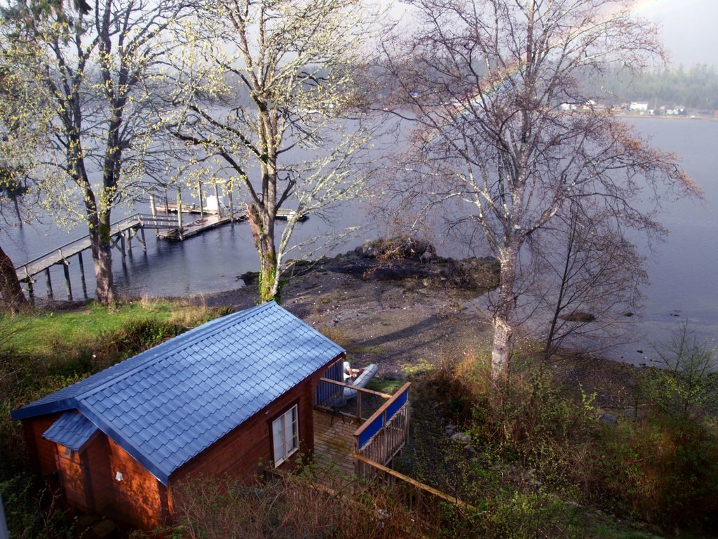 Waterfront Ucluelet cabins